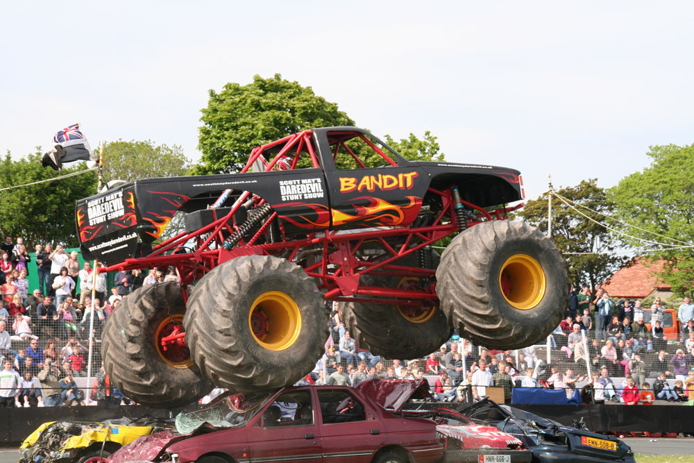 Bandit Monster Truck Scott May S Daredevil Stunt Show